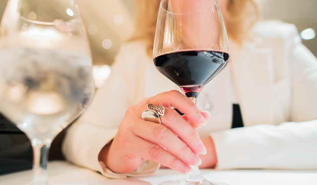 Лечение женского алкоголизма в Марушкино анонимно